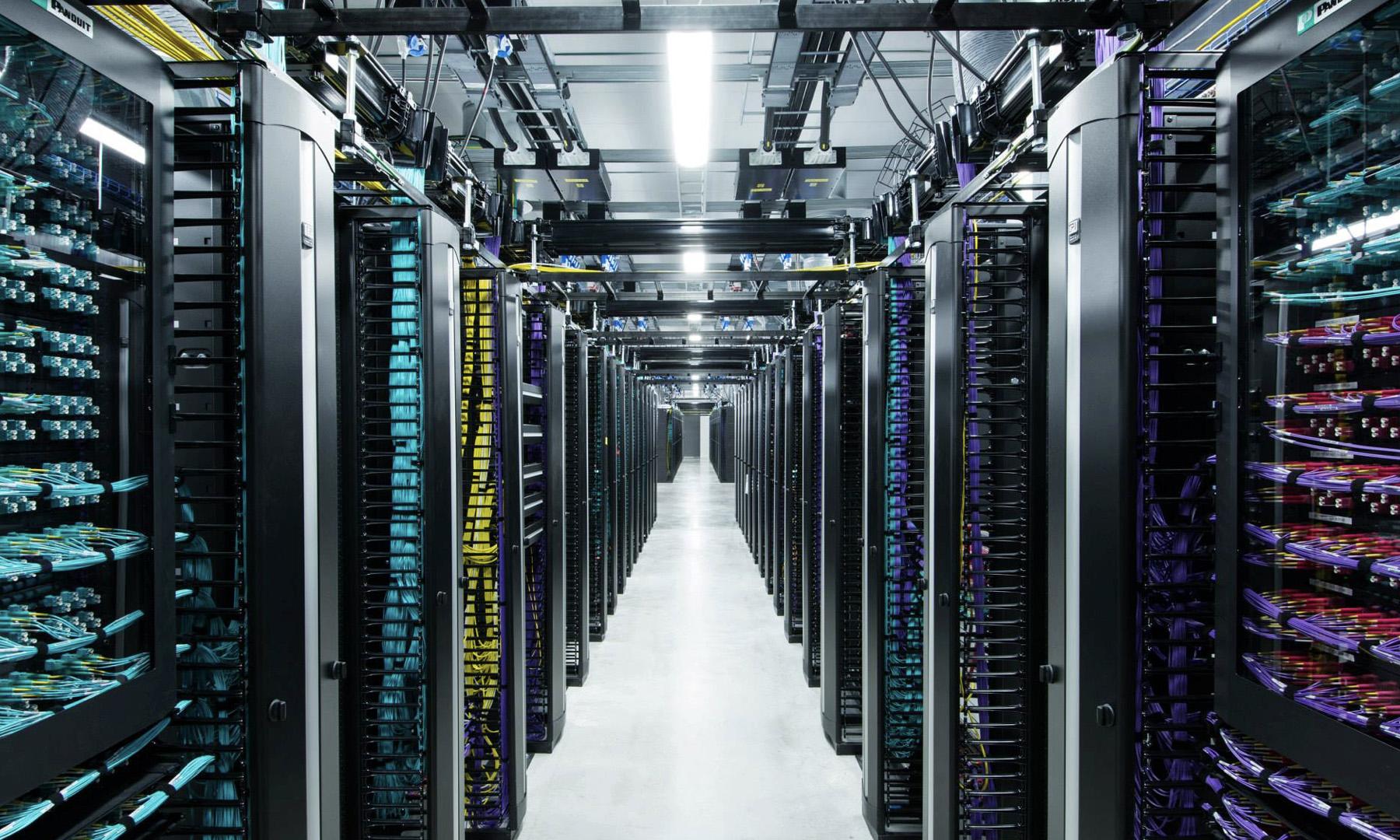 Introducing data center fabric, the next-generation Facebook data center  network - Facebook Engineering