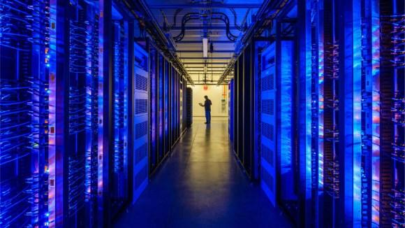 Throughput autoscaling: Dynamic sizing for Facebook.com